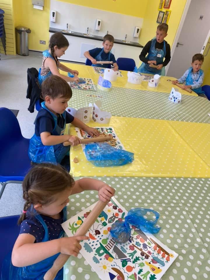Kids cooking class at Totnosh